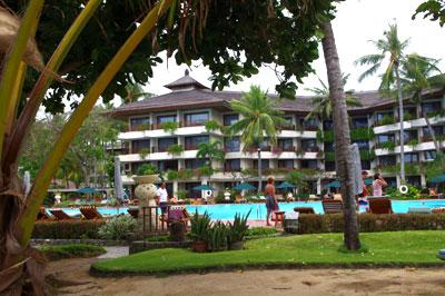 サヌールビーチホテル