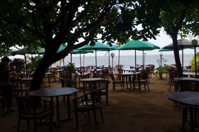 ビーチのレストラン